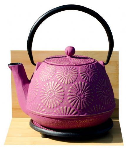 Round Trivet & KIKU cast iron tea pot kettle 1.2L Mulberry on gold colour Tetsubin Japanese style GOTO®